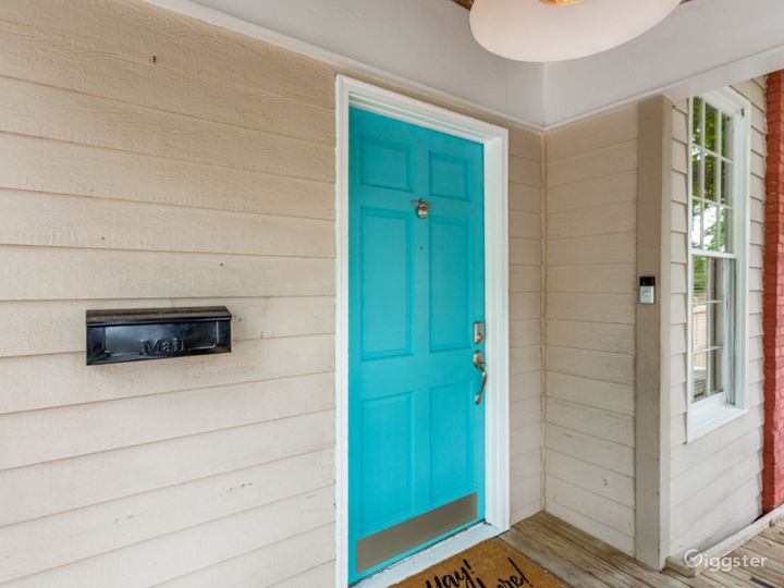 Bungalow in Candler Park Photo 5