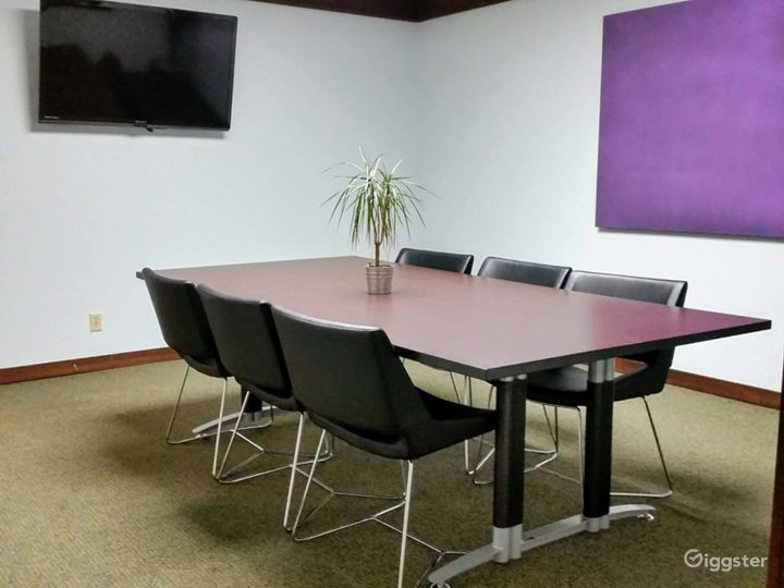 Stylish Meeting Room in Miami Photo 3