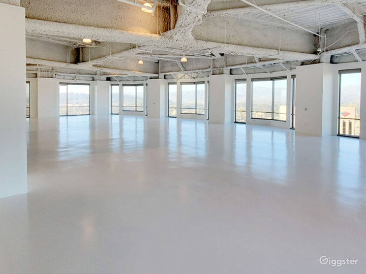 Premium space in exclusive US BANK TOWER Photo 2