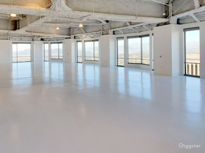 Premium space in exclusive US BANK TOWER Photo 3