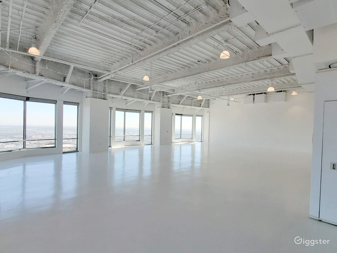 Premium space in exclusive US BANK TOWER Photo 1