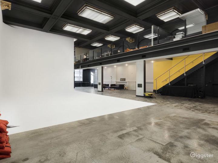 Creative Workspace And Studio Photo 4
