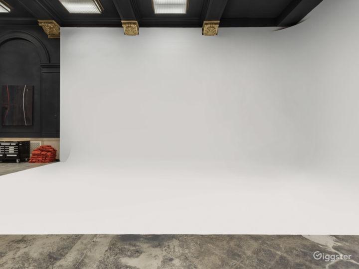 Creative Workspace And Studio Photo 2