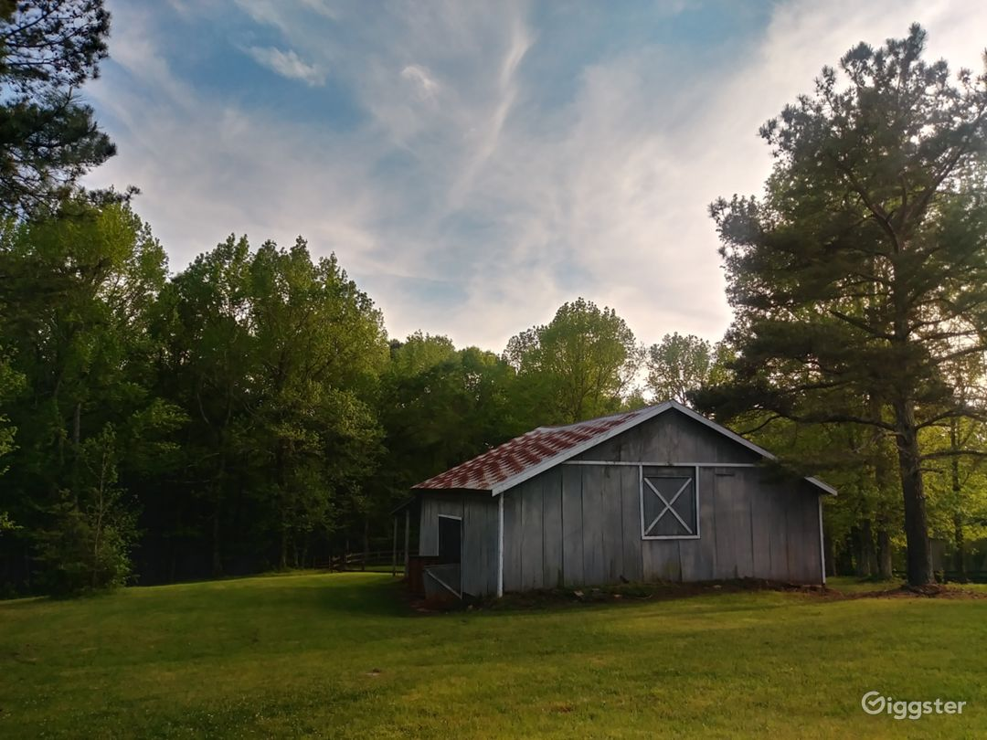 Old unused barn 1940's with 4 stalls & a second story