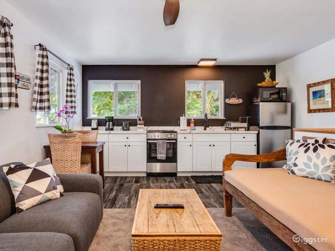 Fascinating Modern Style Bungalow in Haleiwa Photo 1