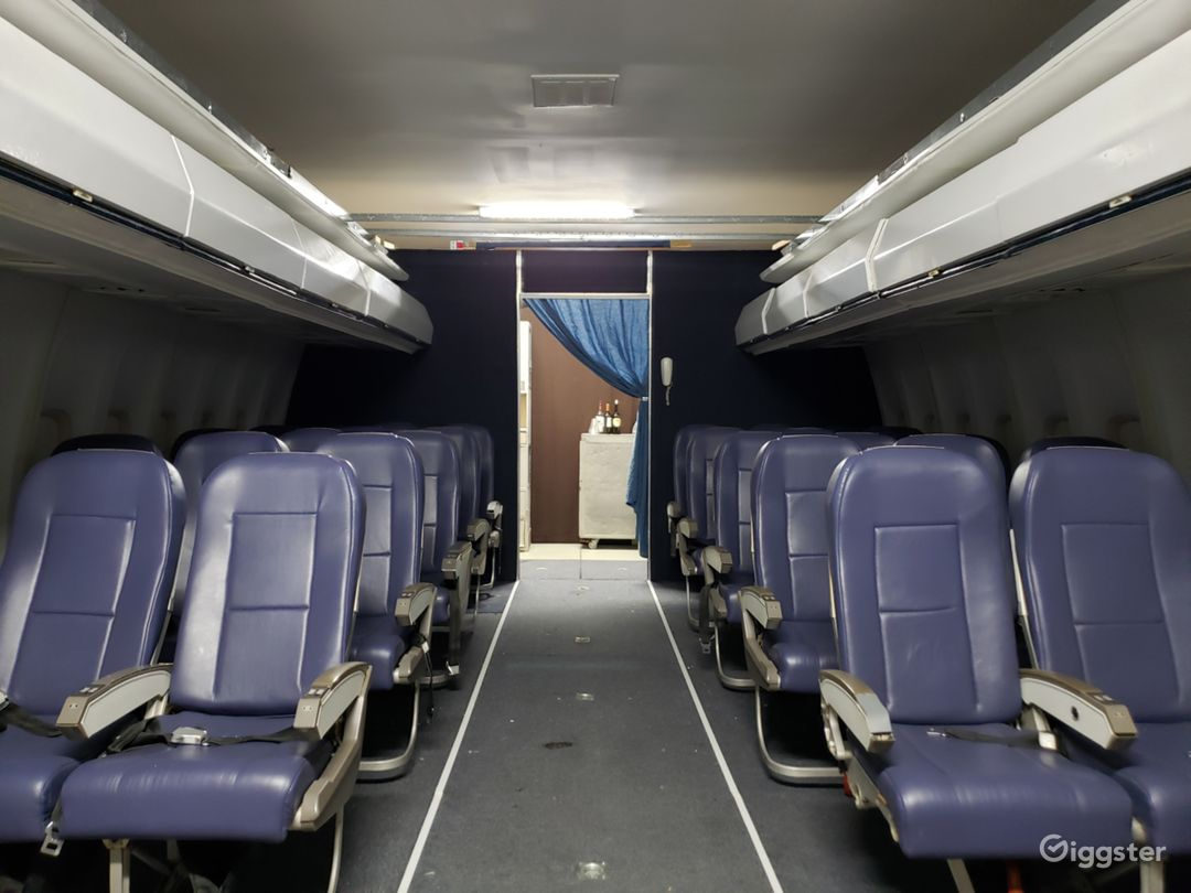 Boeing 757 cabin, Coach and Business