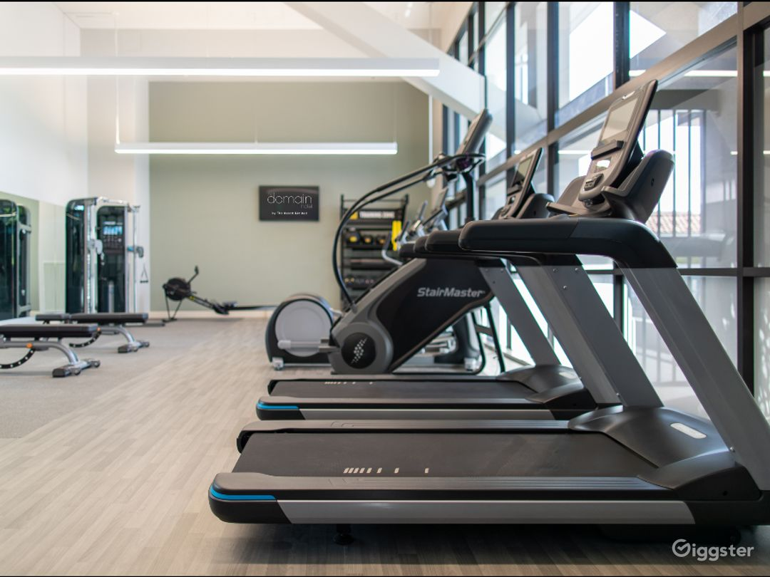 A Modern Gym with Equipment in Sunnyvale Photo 1