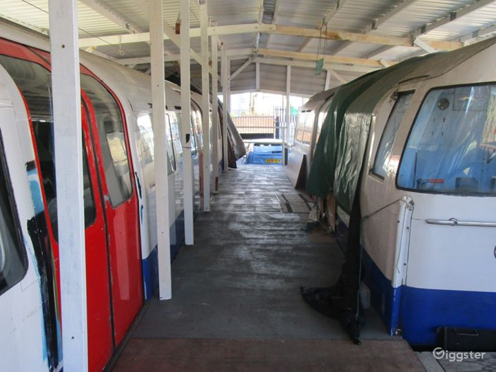 Unique Tube Carriages in London Photo 5