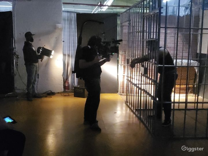 WORKING JAIL CELLS WITH 2 8'X 6' CELLS WITH COTS  Photo 5