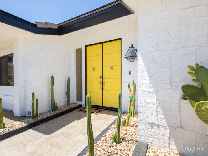 Chateau Palomino: Bright & glam Palm Springs style Photo 3