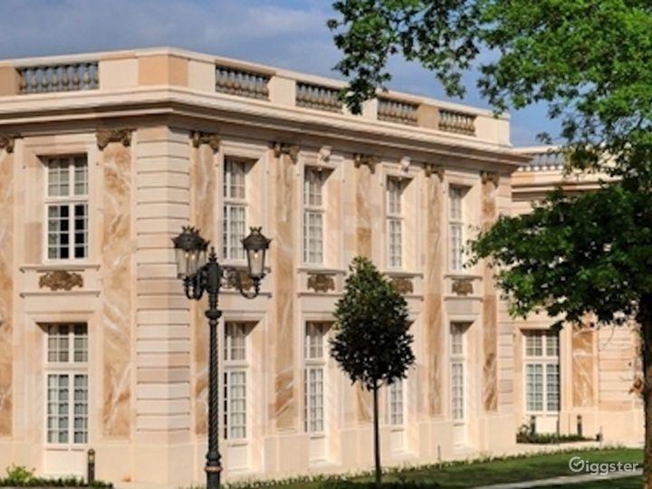 Versailles Style Castle & Grand Hotel  Photo 3