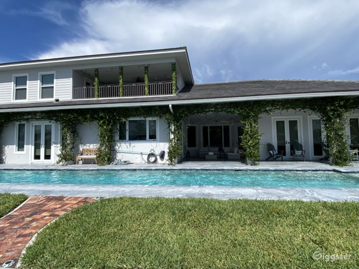 Beautiful Intracoastal Home Photo 5
