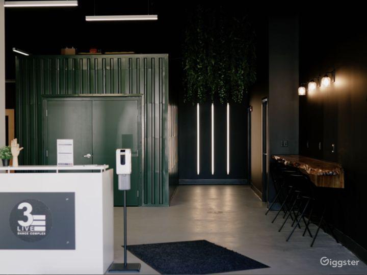 Entry & Lobby