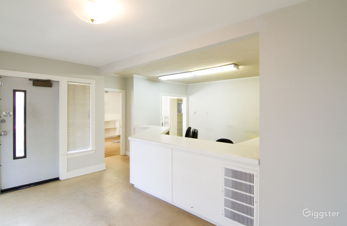 Rent The Office, Retail/Small Business(commercial) Unfurnished Office Space  With Basement