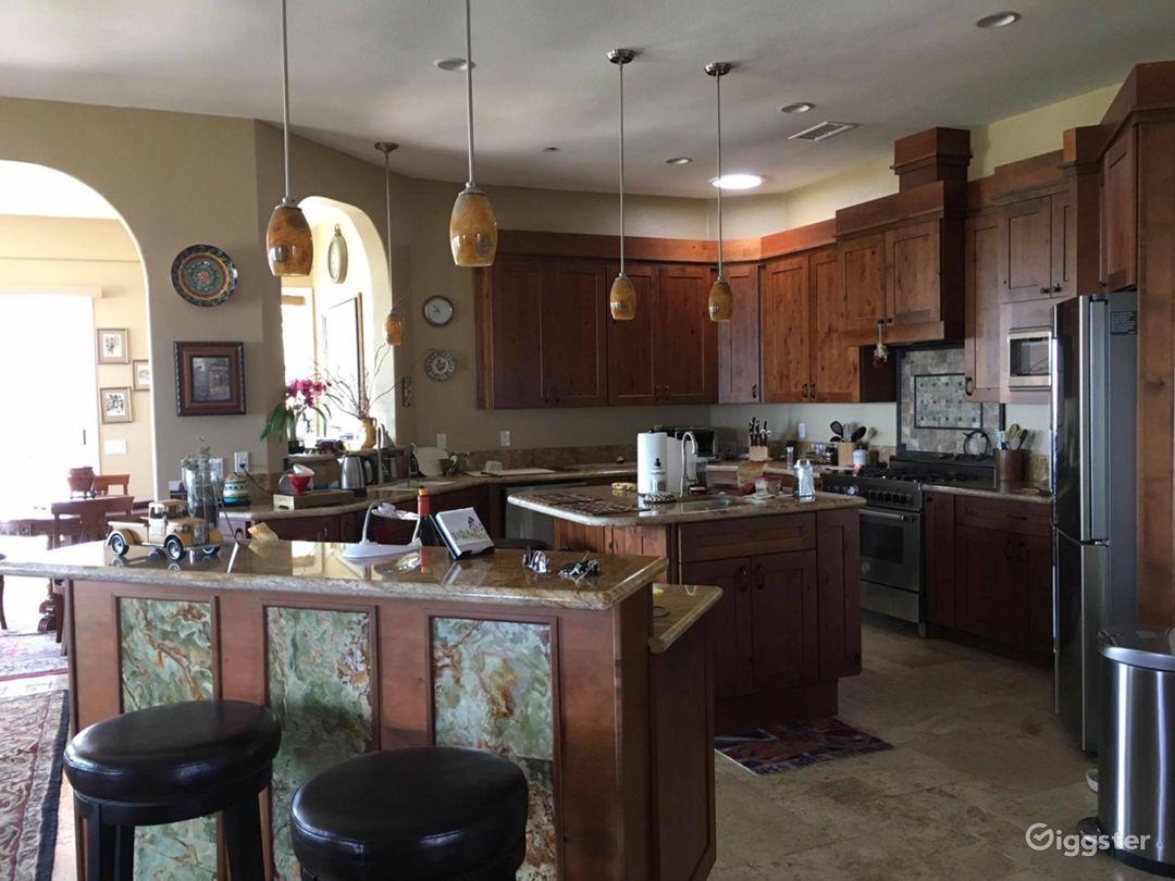 Sweeping Mountain Views Ranch Home Photo 4