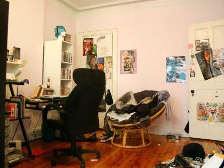 Classic NY brownstone: Location 4122 Photo 4