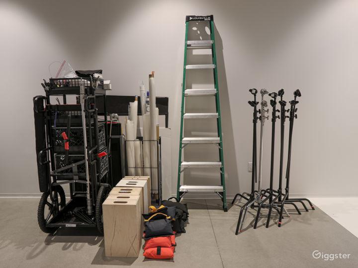 Assorted grip/lighting equipment