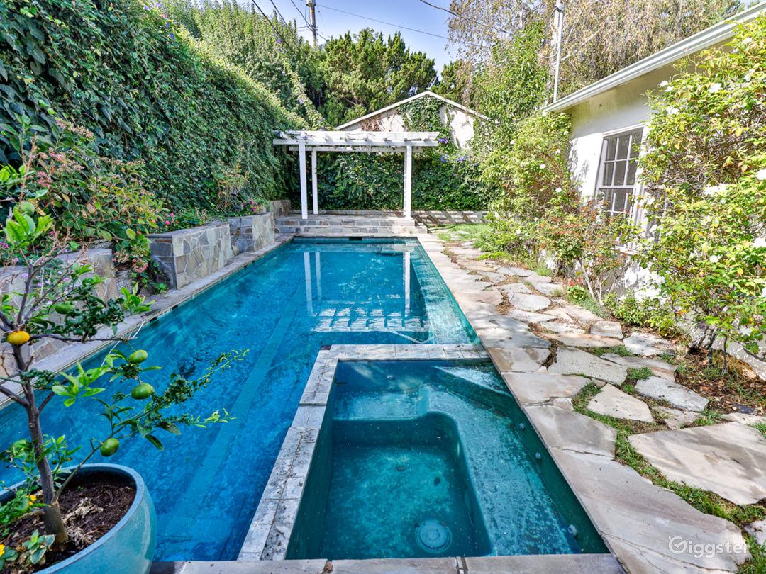 Unique Mid Century/Bohemian Large Cottage w pool Photo 1
