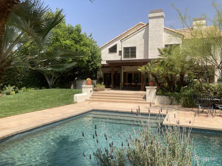 California-Style Oasis - Modern Rustic Vibe  Photo 2