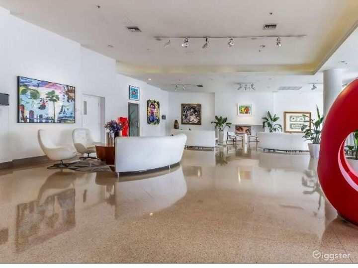 Gallery Room in Miami Beach Photo 5