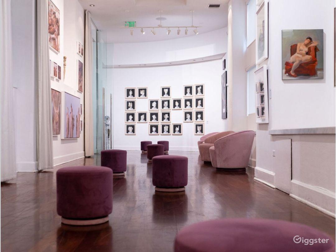 Gallery Room in Miami Beach Photo 1