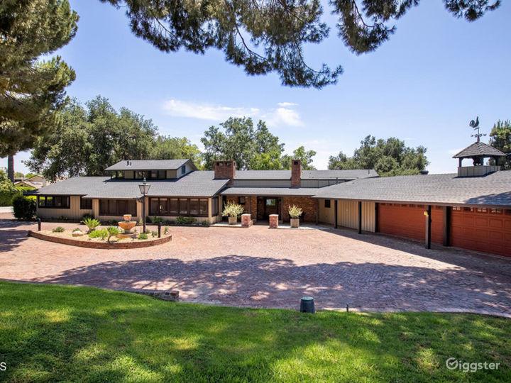 Unique & Private Contemporary Ranch Estate  Photo 2