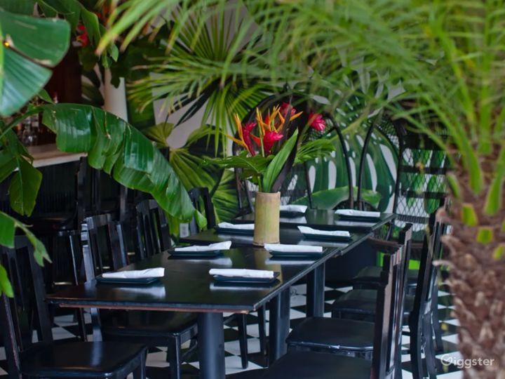 Elegant Looking Back Dining Area Photo 3