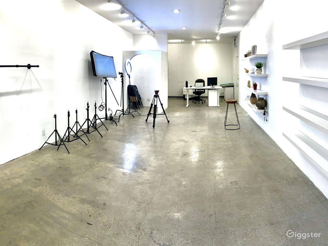 Turnkey Photo and Video Studio With Equipment Photo 1
