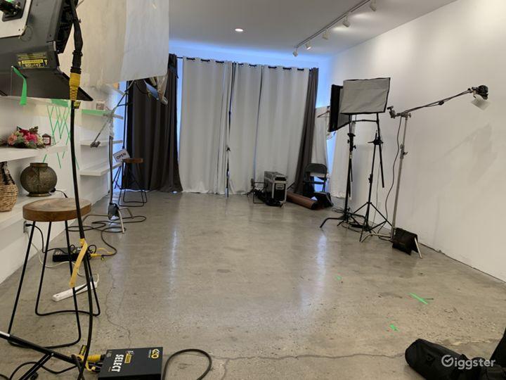 Turnkey Photo and Video Studio With Equipment Photo 2