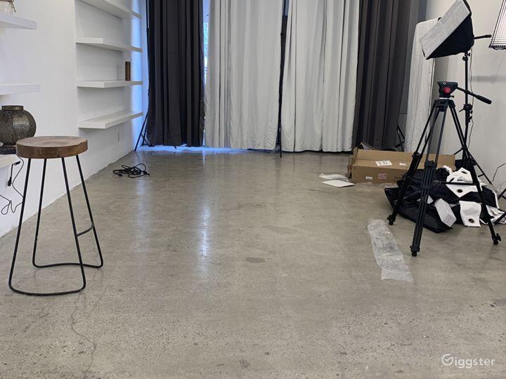 Turnkey Photo and Video Studio With Equipment Photo 5
