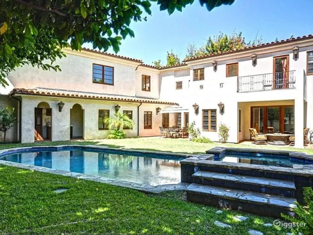 Luxurious and Private Spanish Estate In Hollywood Photo 1