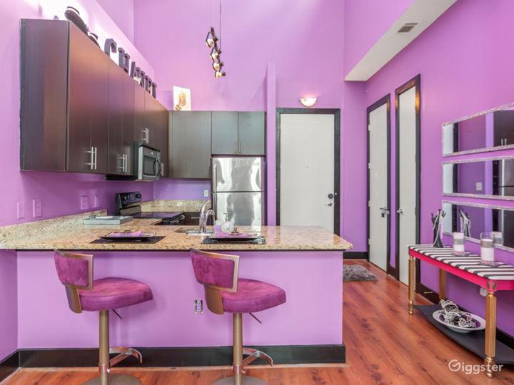 Glamorous city loft with soaring ceilings Photo 5