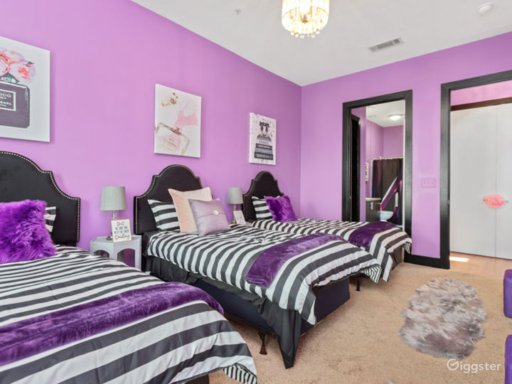Glamorous city loft with soaring ceilings Photo 4