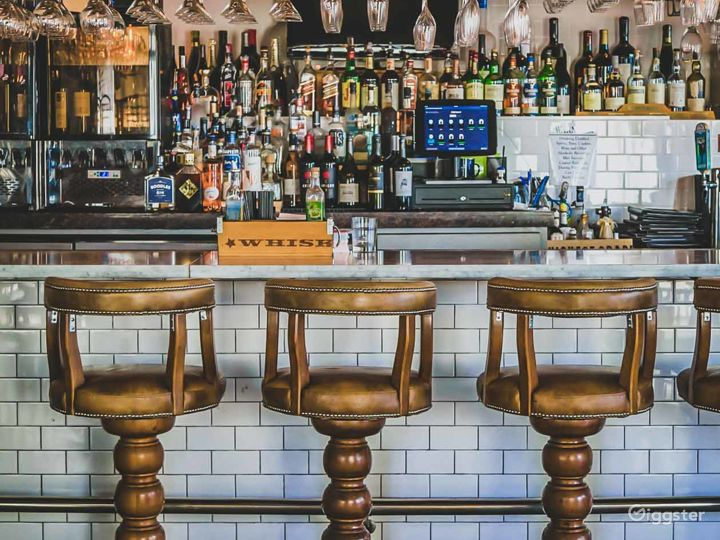 Classy & Contemporary Wine Bar and Restaurant Photo 4