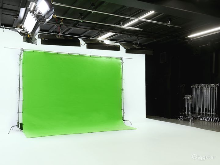 Green screen is one of the most popular production technologies, and here's how we wrangle it: lay down a 11' x 11', or 20' X 30' chroma key cloth. Size matters , so be sure to find the dimensions that suit your project best.