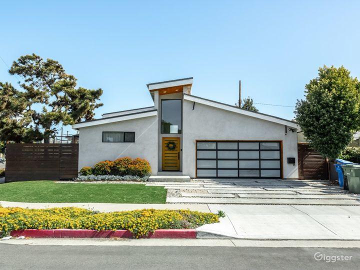 Mid Century Modern Concrete House Photo 2