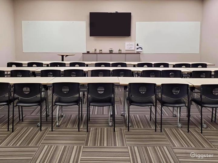 Orchestra Conference Room Photo 4