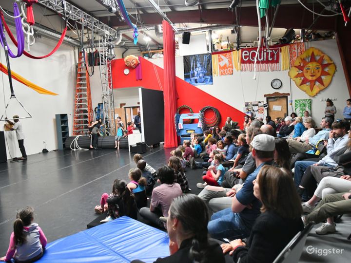 Spectacular Theatre studio in New Mexico Photo 4