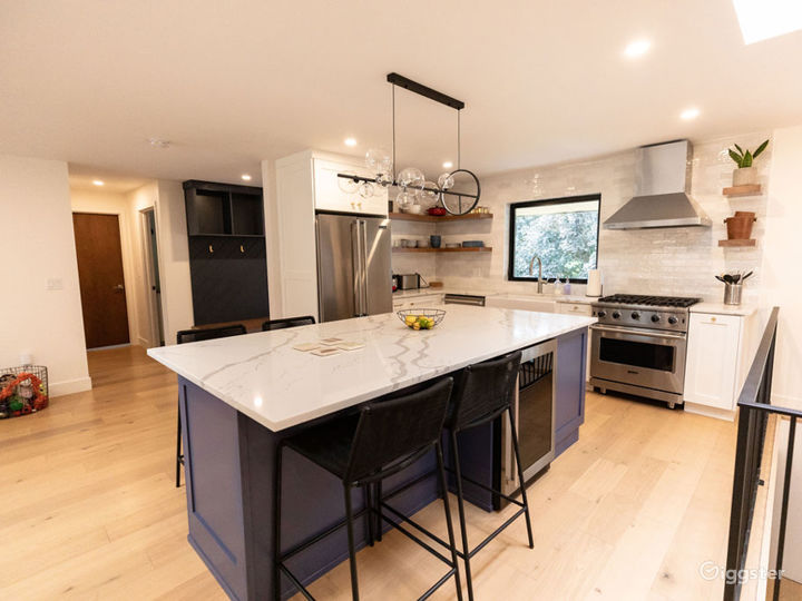 Beautifully modernized mid century-styled home Photo 3