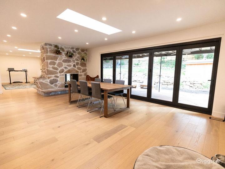 Beautifully modernized mid century-styled home Photo 4