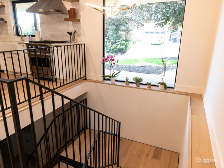 Beautifully modernized mid century-styled home Photo 5