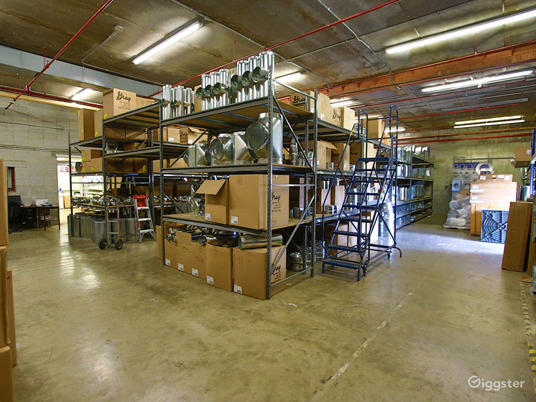 Huge Warehouse/Commercial Building Photo 1