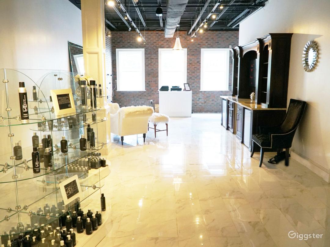 Snow White Salon with Marble Floors Photo 5