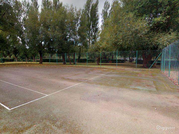Open Tennis Court in Oxford Photo 2
