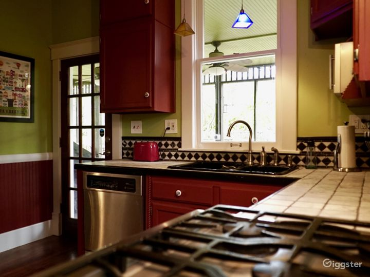 Classic American Craftsman with Modern Flourishes Photo 5