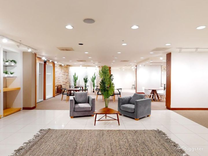 Gorgeous Downtown Modern Event Space Photo 4