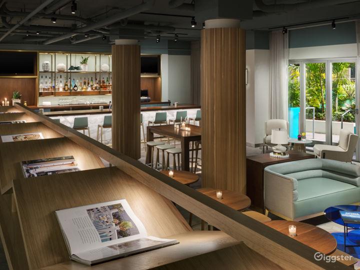 Intimate Indoor Lounge & Lobby Bar Photo 4