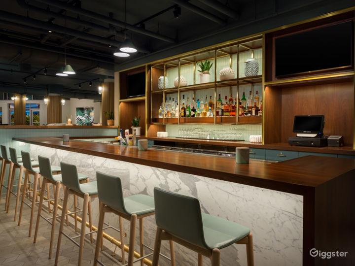 Intimate Indoor Lounge & Lobby Bar Photo 5