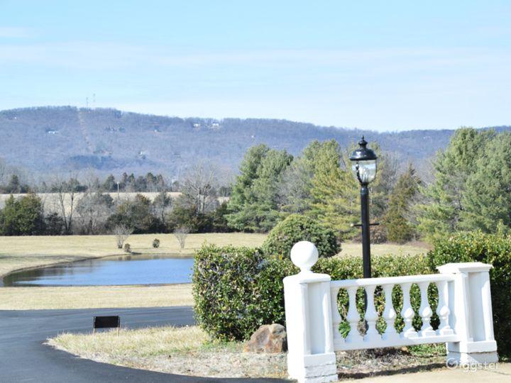 Beautiful 20-acre Private Estate in Virginia  Photo 5