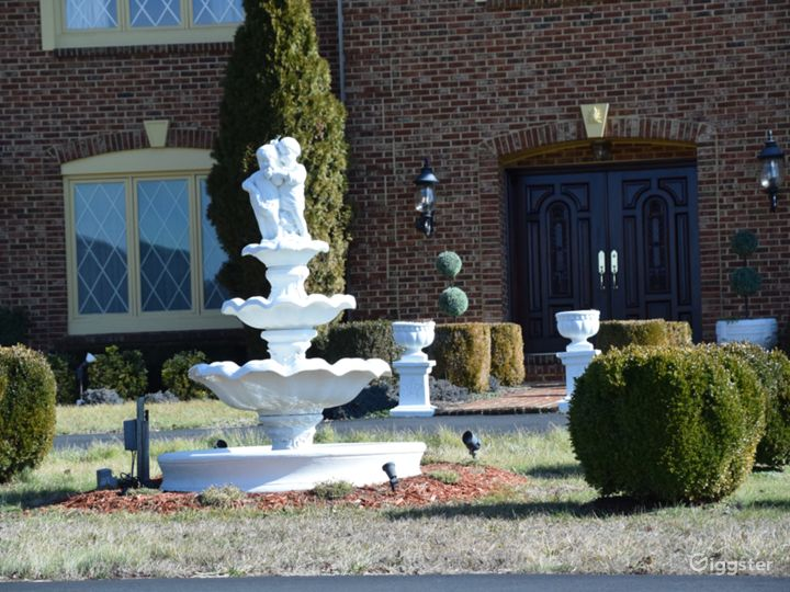 Beautiful 20-acre Private Estate in Virginia  Photo 3